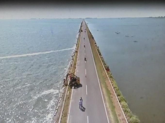 La ruta nacional 7 est cortada a la altura de la laguna for Ruta0 buscador de rutas